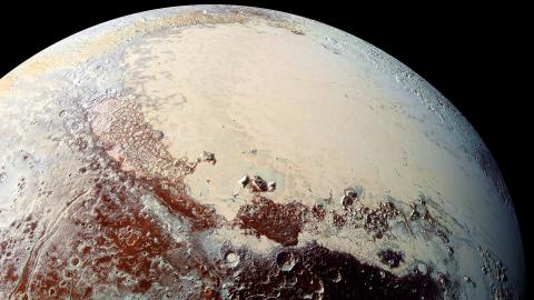 "Close-up image of Pluto's icy ""heart"""