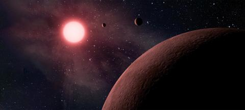 Illustration of three exoplanets orbiting a red star (NASA/JPL-Caltech)